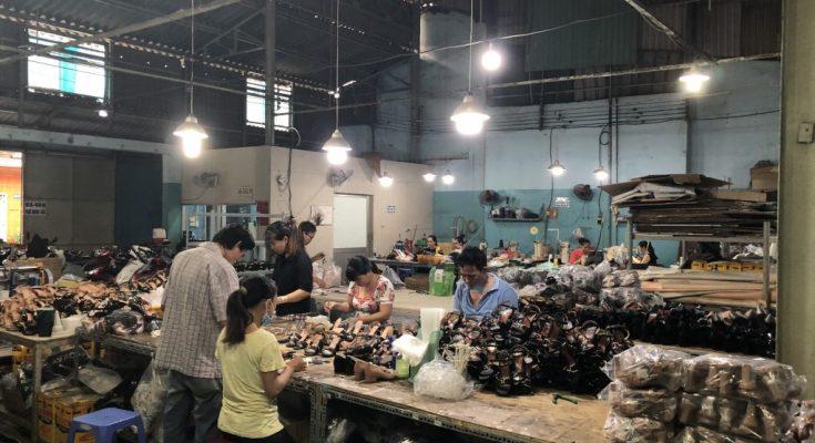 Xưởng sản xuất giày dép chất lượng