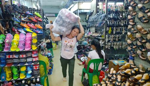 Chợ giày dép Quảng Châu giá rẻ