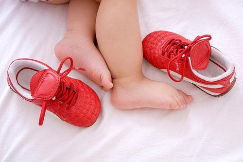 Hàng tuyển sỉ giày dép trẻ em