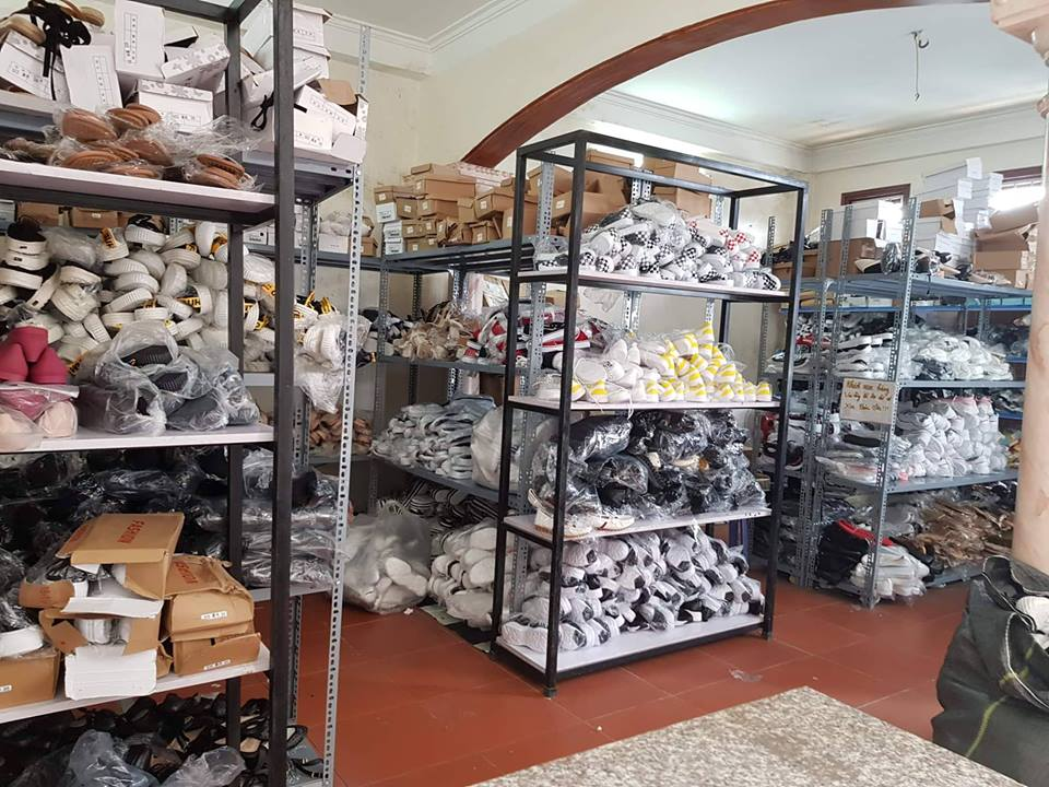 Xưởng giày dép chuyên sỉ Thiên Ân