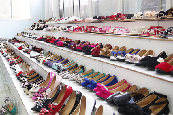 Lấy sỉ giày dép quảng châu