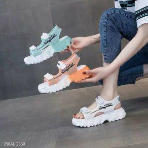 Sandal de loan phan quang