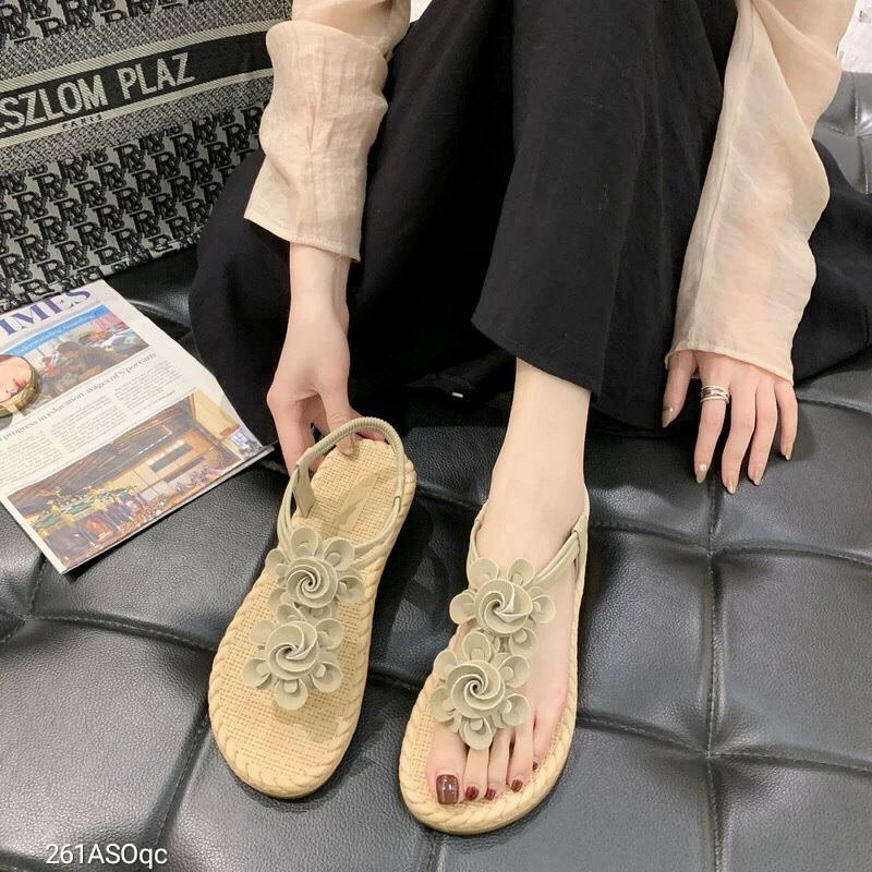 Sandal kẹp hoa dễ thương