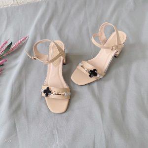 sandal bang khoa