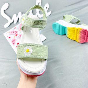 sandal hoa cuc nu hot