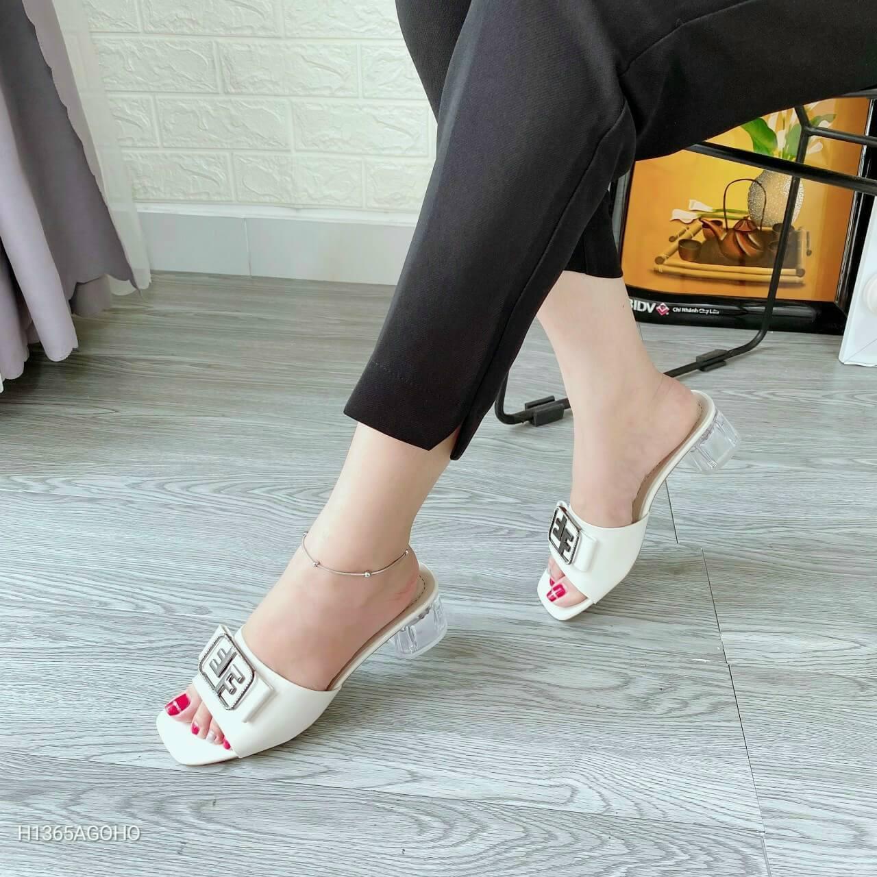 Xưởng giày Thiên Ân - chuyên sỉ giày dép Quảng Châu giá tận gốc